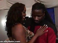Thick Ebony Honey Gives Blowjob To Trekkie