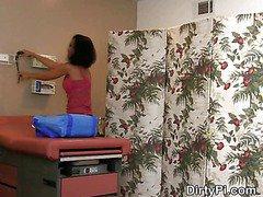 Hidden Camera Catches Nurse Sucking Off Doctor In Office