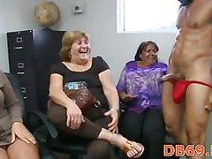 Terrific blow job from brunette