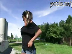 Ebony beauty gives outdoor bj pussy fucked and jerks for cum